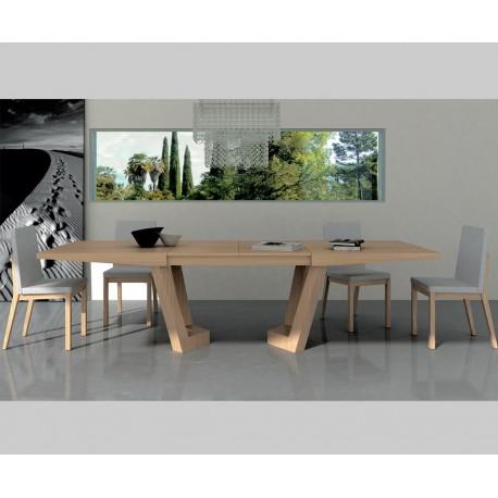 Mesa comedor extensible Olimpia de Tadel, mesa de madera natural.