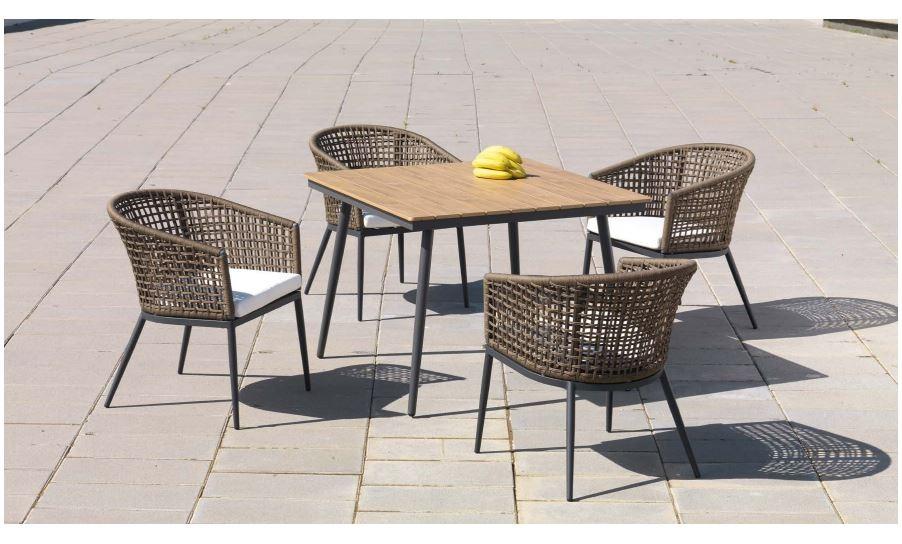 Mesa 100 cm y 4 sillas